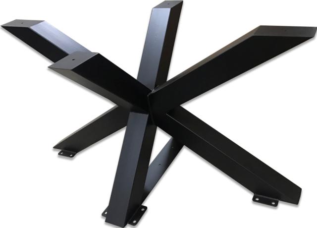 Gran pierna de metal para una mesa. Forma de una araña