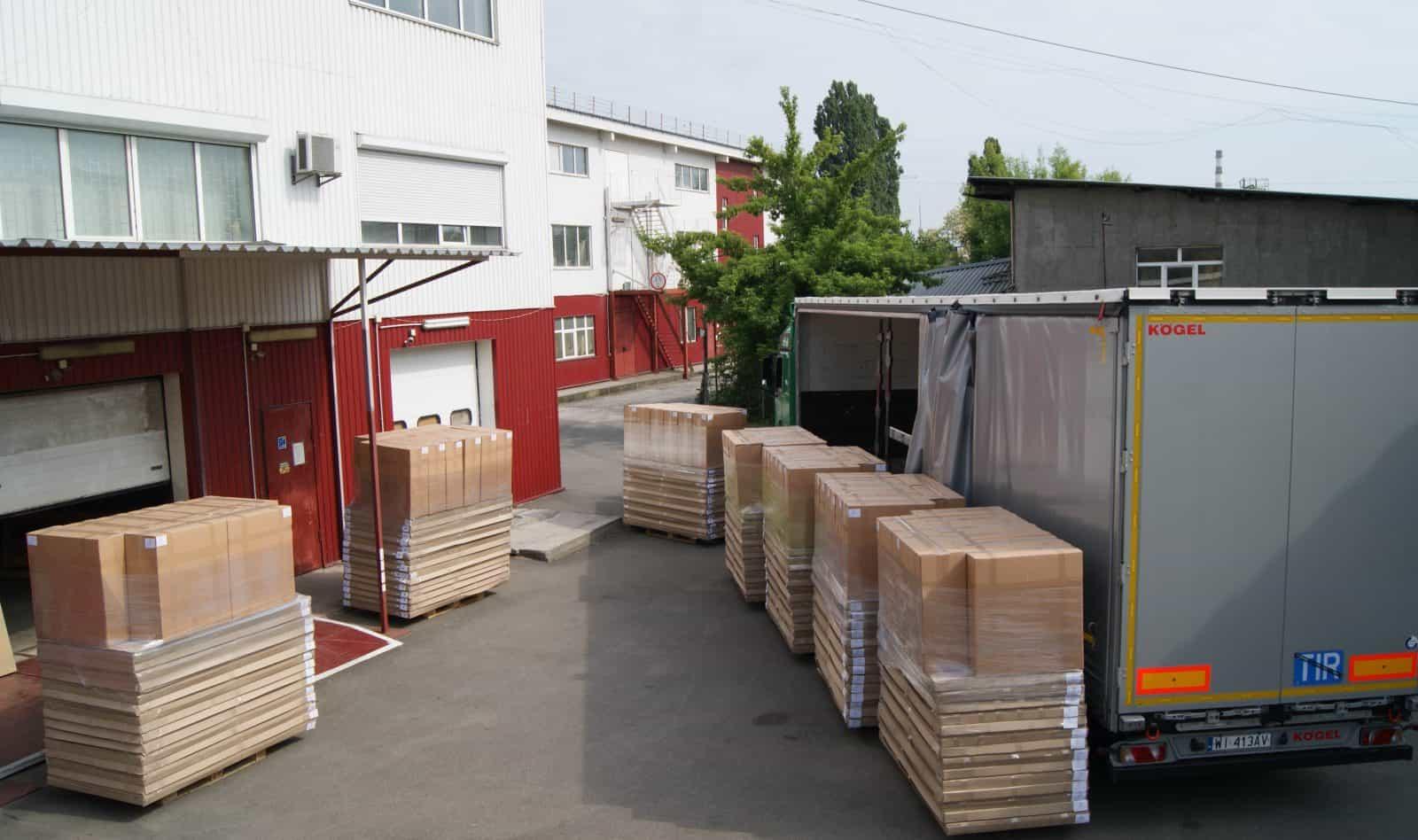 fábrica de muebles de transporte
