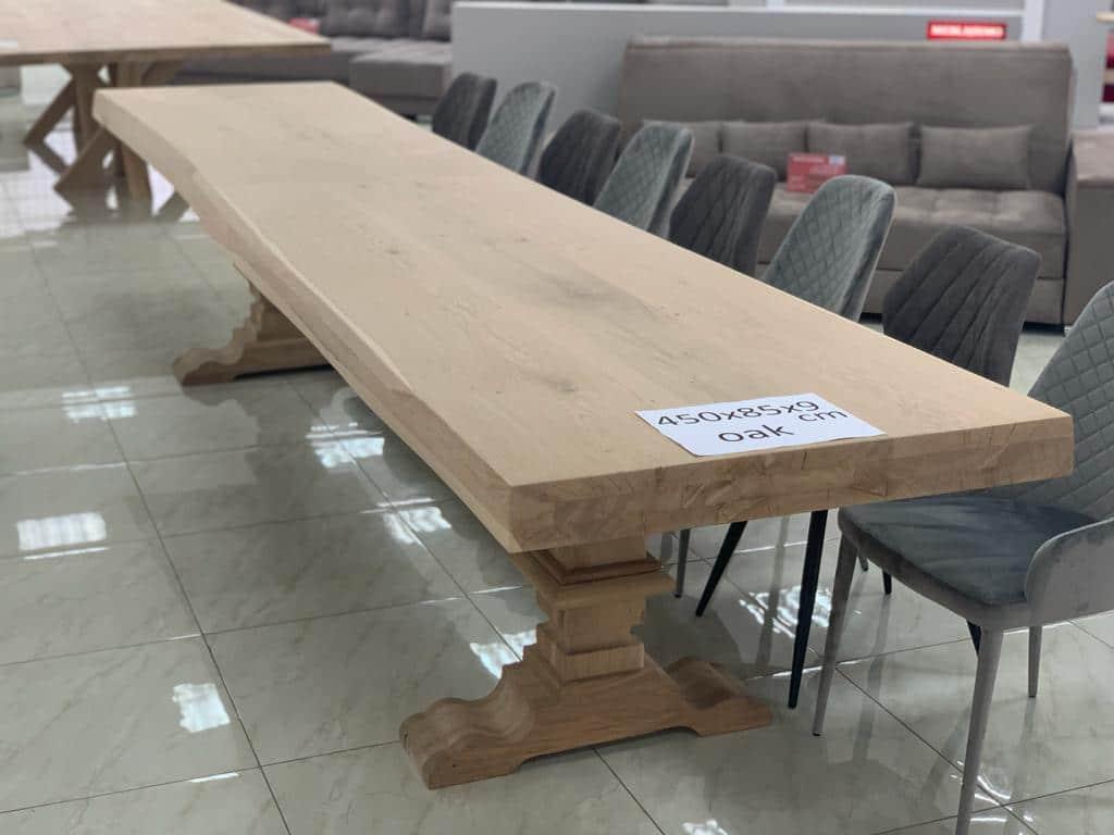 Mesa de roble de gran tamaño